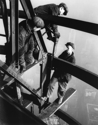 Lewis Wickes Hine - Empire State Building, 1930