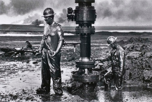 Oil workers by Salgado